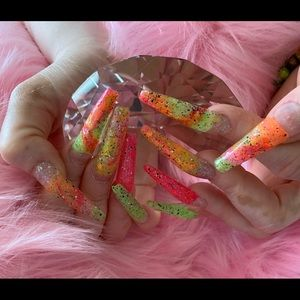 Customize nails available. I am available me 24/7